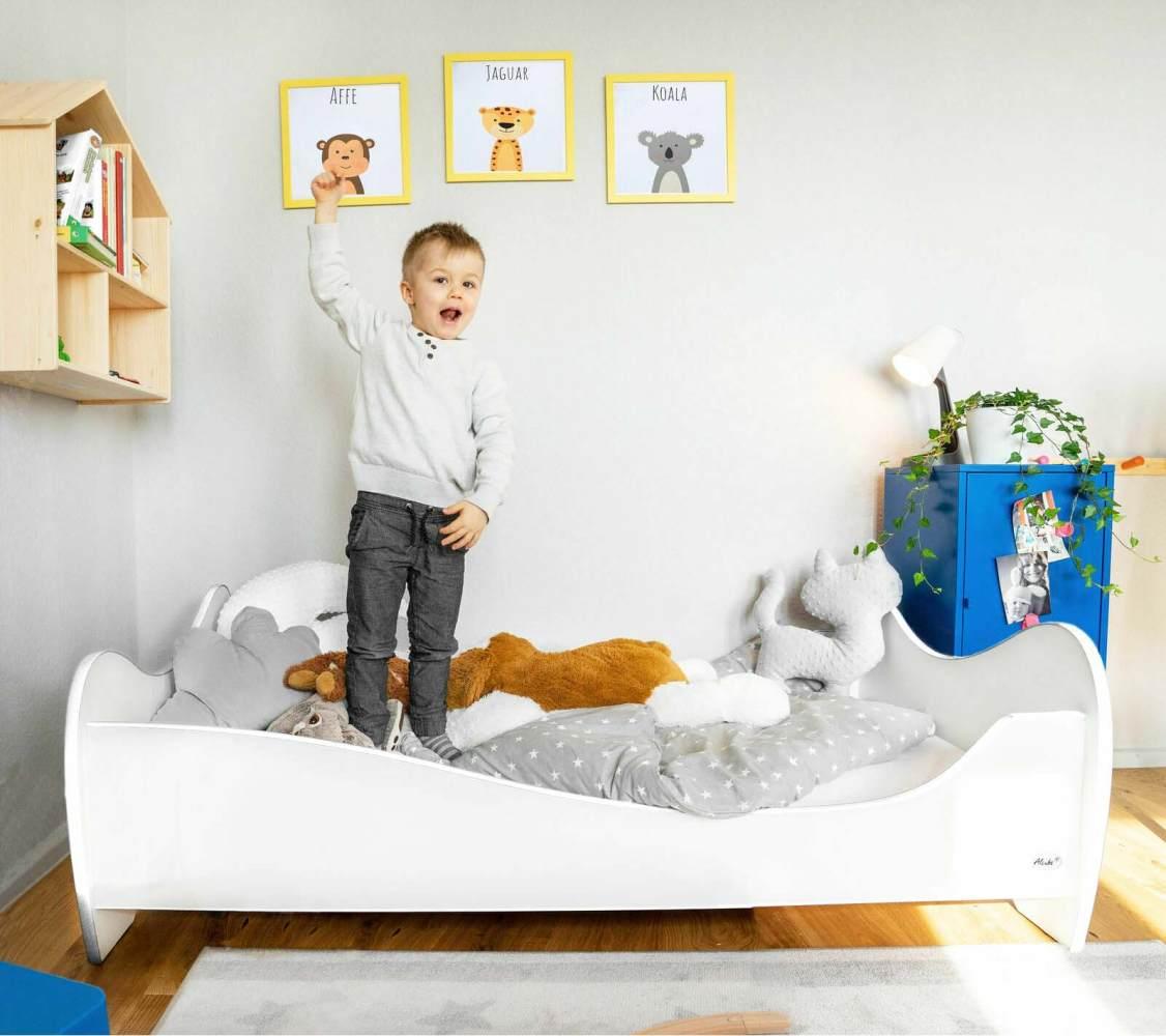 Alcube 'White Swing' Kinderbett 140 x 70 cm mit Rausfallschutz inkl. Lattenrost und Matratze, weiß Bild 1