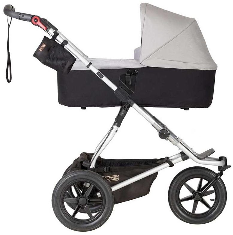 Mountain Buggy 'Urban Jungle 3' Kombikinderwagen Silver mit Babyschale in Soho Grey Bild 1