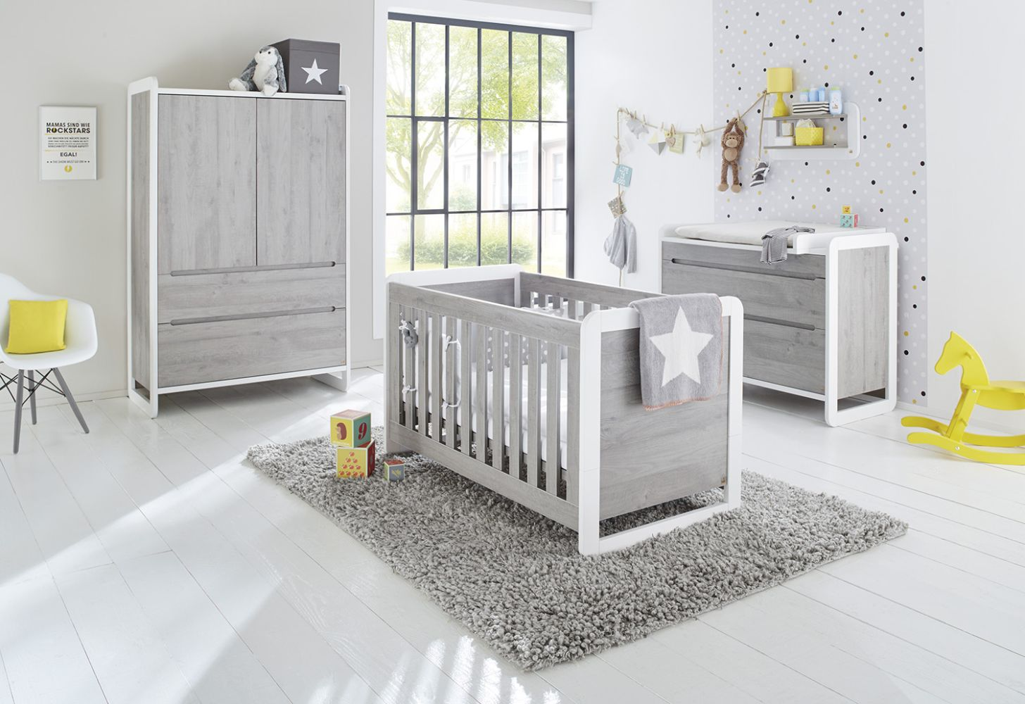 Pinolino 'Curve' 3-tlg. Babyzimmer-Set grau/weiß Bild 1