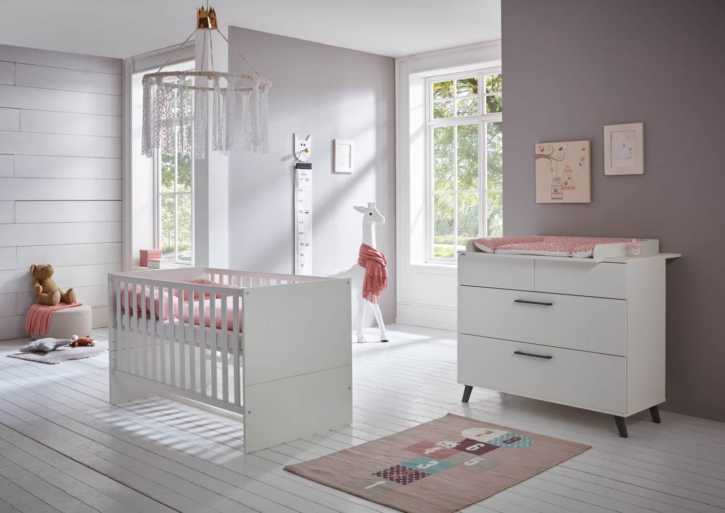 Arthur Berndt 'Amal' Babyzimmer Sparset 2-teilig, Kinderbett (70 x 140 cm) und Wickelkommode mit Wickelaufsatz Kreideweiß Bild 1