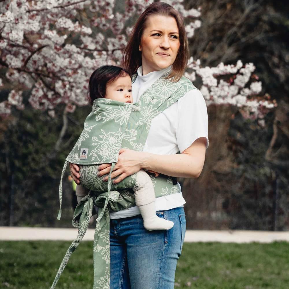 LIMAS Babytrage Halfbuckle | 50 -86 cm | Bauchtrage & Rückentrage & Hüfttrage | ab Geburt bis Kleinkindalter | Baby Carrier | Blossom Green Lily Bild 1