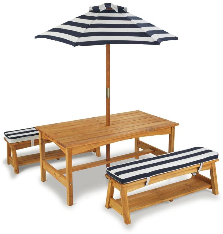 KidKraft Hübsches Gartenmöbelset, Gartentisch mit Bänken und Sonnenschirm, blau weiß gestreift, aus Holz Bild 1