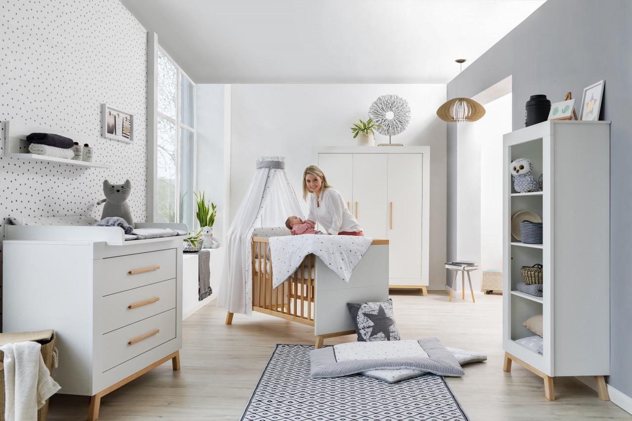 Schardt 'Miami White' 3-tlg. Babyzimmer-Set, weiß, 3-türiger Schrank Bild 1