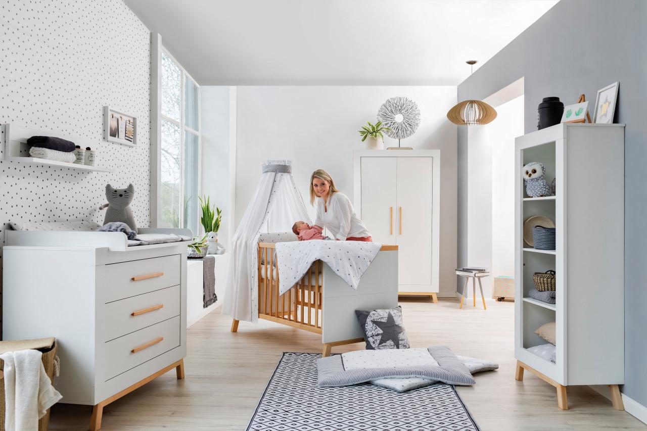 Schardt 'Miami White' 3-tlg. Babyzimmer-Set, weiß, 2-türiger Schrank Bild 1