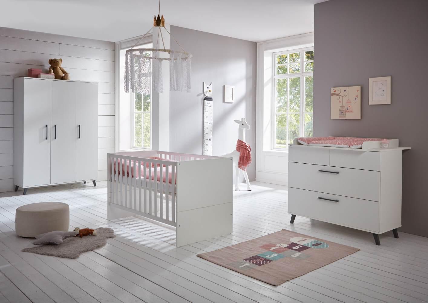 Arthur Berndt 'Amal' Babyzimmer Komplettset 3-teilig, Kinderbett (70 x 140 cm), Wickelkommode mit Wickelaufsatz und Kleiderschrank Kreideweiß Bild 1