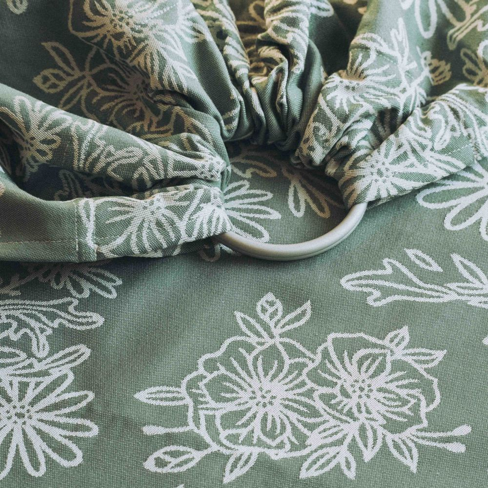 LIMAS | Ring Sling | Geburt bis Kleinkindalter | Bauch- und Hüfttrageweise | diagonal gebundenes Tragetuch Blossom Green Lily Bild 1