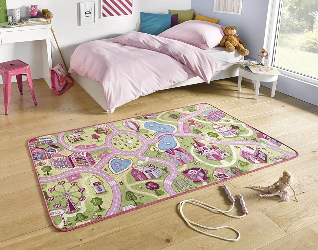 HANSE Home Kurzflor Kinderteppich Spielteppich Sweet Town(140x200 cm, 100% Polyamid, Rutschhemmende Rückenbeschichtung, Pflegeleicht, Fußbodenheizung geeignet), Rosa Bild 1