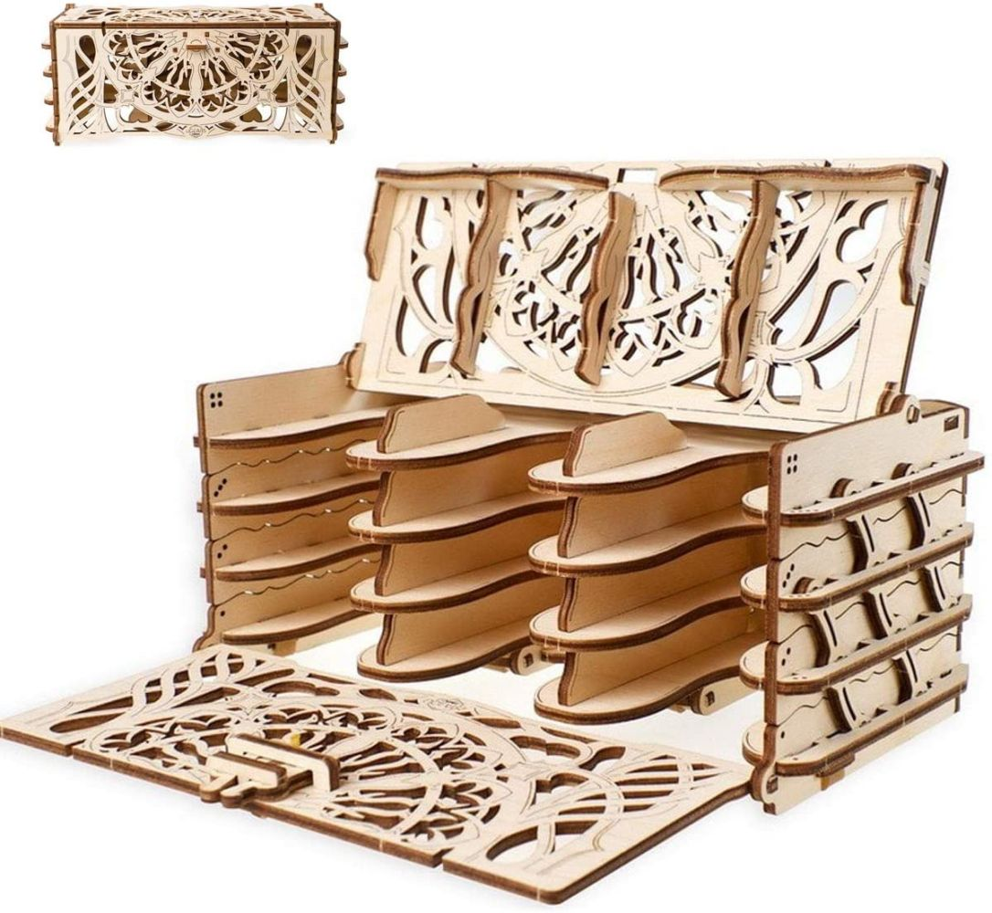 UGEARS 3D Modellbausatz Brettspiele Kartenhalter - Card Holder Spielkartenhalter Holz Karten Halter für 12 Kartenpakete - Holzbausatz Kartenspiele für Erwachsene Modellbau Set Spielezubehör Bild 1