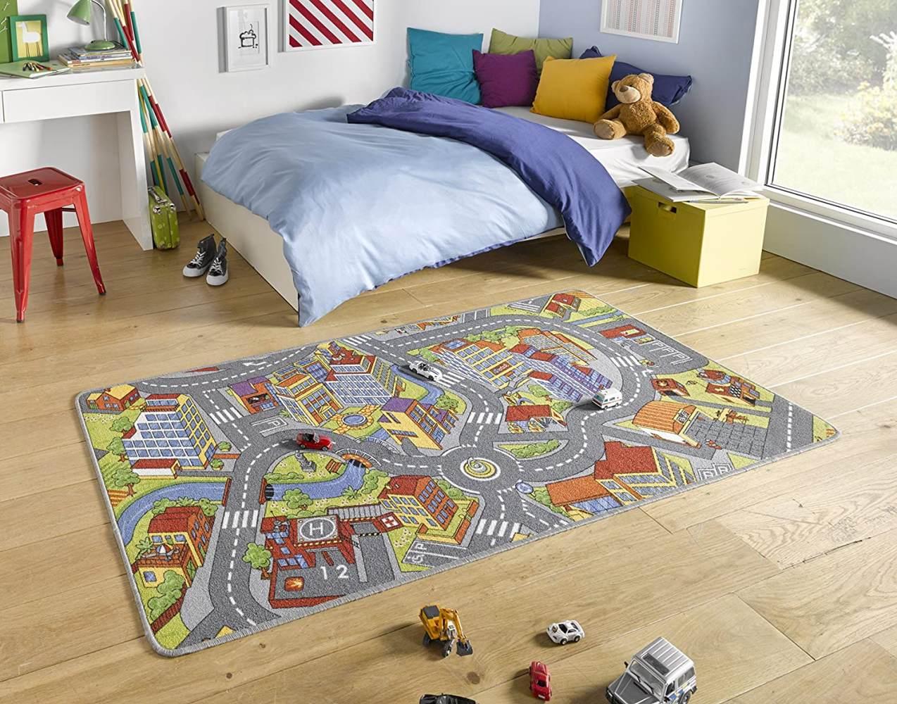 HANSE Home Kurzflor Kinderteppich Spielteppich Smart City (140x200 cm, 100% Polyamid, Rutschhemmende Rückenbeschichtung, Pflegeleicht, Fußbodenheizung geeignet), Grau Bild 1