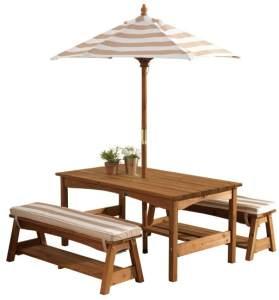 KidKraft Hübsches Gartenmöbelset, Gartentisch mit Bänken und Sonnenschirm, beige weiß gestreift, aus Holz