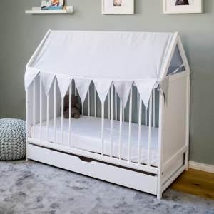Babybett Beistellbett Kinderbett und Hausbett mit Dach und Wimpelkette - 120x60 wei mit Schublade, hhenverstellbar und umbaubar