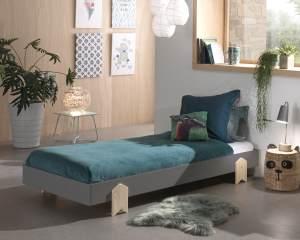 Vipack Modulo Einzelbett/Stapelbett 90 x 200 cm Liegefläche, grau lackiert, Fuß Pfeil-Optik Kiefer natur lackiert