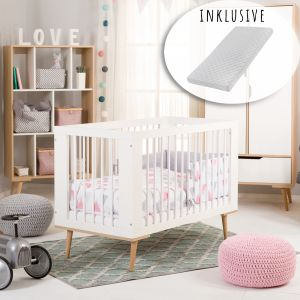 Babybett Kinderbett Gitterbett 60x120 hhenverstellbar & herausnehmbare Sprossen mit Matratze   weiss sehr stabil maximale Sicherheit Made in Europe