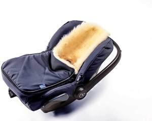 Fußsack für Babyschale Hofbrucker - kuscheliger universal Lammfellfußsack, medizinisches echtes Fell, für Tragetasche, Kinderwagen und Buggy geeignet, Design:navy blue