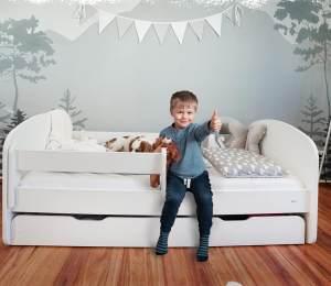 Alcube 'Milo' Kinderbett 70x140 cm, Weiß, mit Matratze, Rausfallschutz, Schublade und Lattenrost