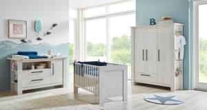 Arthur Berndt 'Til' Babyzimmer Komplettset 3-teilig, Kinderbett (70 x 140 cm), extrabreite Wickelkommode mit Wickelaufsatz und Kleiderschrank Nordic Wood