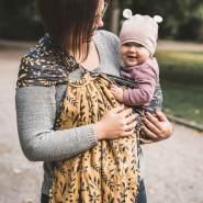 LIMAS | Ring Sling | Geburt bis Kleinkindalter | Bauch- und Hüfttrageweise | diagonal gebundenes Tragetuch Flora Honey Moon