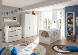 Begabino 'Mara' 5-tlg. Babyzimmer-Set, weiß, aus Bett 70x140 cm, 2-trg. Kleiderschrank, Wickelkommode inkl. Unterstellregal, Standregal und Wandregal