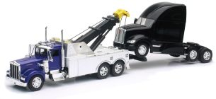 New Ray LKW 1/32 W900 Bagger + Traktor Kenworth T700 Collection im Maßstab 1:51, 810390, schwarz