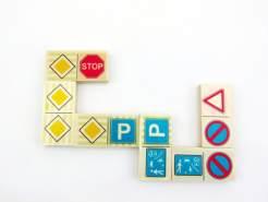 Domino Verkehrszeichen 28 Spielsteine(50 x 50 mm) Maße: ca. 12 x 8 x 3 cm NEU Erzgebirge Memory Legespiel Holzspiel
