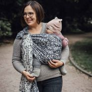 LIMAS | Ring Sling | Geburt bis Kleinkindalter | Bauch- und Hüfttrageweise | diagonal gebundenes Tragetuch Flora Cool Grey