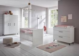 Arthur Berndt 'Amal' Babyzimmer Komplettset 3-teilig, Kinderbett (70 x 140 cm), Wickelkommode mit Wickelaufsatz und Kleiderschrank Kreideweiß