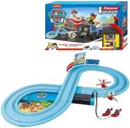 Carrera FIRST 'PAW PATROL On the Track', 2,4m Rennstrecken-Set, 2 ferngesteuerte Fahrzeuge mit Chase und Marshall, mit Handregler & Streckenteilen, Spielzeug für Kinder ab 3 Jahren