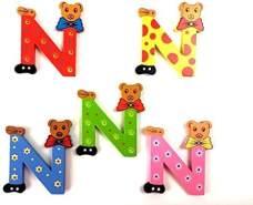 Brink Holzspielzeug Buchstabe: 'N' - 1 Stück, zufällige Auswahl, keine Vorauswahl möglich