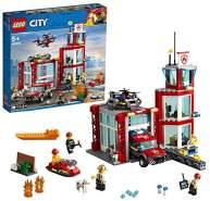 LEGO City 60215 Feuerwehr-Station mit Feuerwehr-Minifiguren