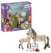 Schleich 42430 Horse Club Spielset - Horse Club Hannahs Erste-Hilfe-Set, Spielzeug ab 5 Jahren