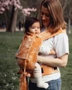 LIMAS Babytrage Halfbuckle | 50 -86 cm | Bauchtrage & Rückentrage & Hüfttrage | ab Geburt bis Kleinkindalter | Baby Carrier | Blossom Summer Gold