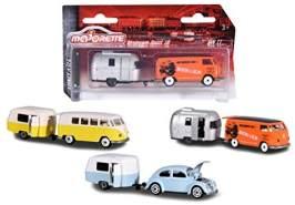 Majorette Vintage Trailer Assortment, Miniaturfahrzeuge, Set mit Fahrzeug und Anhänger, Spielzeugauto mit Anhänger aus Metall, 3 versch. Modelle, Lieferung: 1 Set, zufällige Auswahl, 7,5 cm