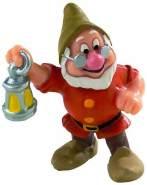 Bullyland 12476 - Spielfigur, Walt Disney Schneewittchen, Zwerg Chef, ca. 5,5 cm groß, liebevoll handbemalte Figur, PVC-frei, tolles Geschenk für Jungen und Mädchen zum fantasievollen Spielen