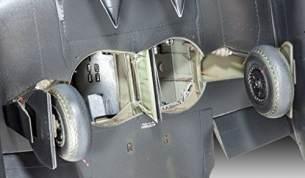 Revell Modellbausatz Flugzeug 1:32 - Messerschmitt Me262 B-1/U-1 Nightfighter im Maßstab 1:32, Level 5, originalgetreue Nachbildung mit vielen Details, 04995