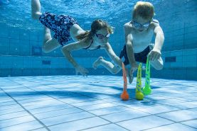 Schildkröt Neopren Diving Balls, 3 Tauchbälle mit Schweif, Sandfüllung, Schweif steht am Grund, 970210