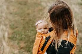 LIMAS 'Plus Ocker' Babytrage