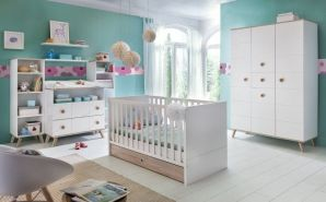 Wimex 'Billund' 5-tlg. Babyzimmerset, Weiß/Eiche Sägerau, aus Bett 70x140 cm inkl. Schublade und Umbauseiten, Kleiderschrank, Wickelkommode, Standregal und Wandregal