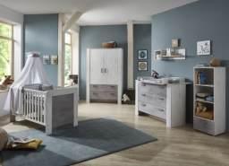 Babyzimmer Lola in White Washed Wood und Absetzung Stone 5 teiliges Komplettset mit Schrank, Babybet