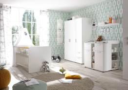 Bega 'Bibo' 4-tlg. Babyzimmer-Set, weiß, aus Bett 70x140 cm, Wickelkommode inkl. 2 Unterstellregalen, 3-trg. Kleiderschrank und Wandboard