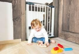 Pinolino 'Baby Lock Classic' Tür- und Treppenschutzgitter, für Türbreiten 69,5 cm bis 76,5 cm, zum Schrauben, Metall, Weiß